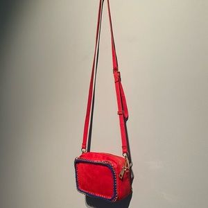 😍 3/$30 Urban expressions red bag